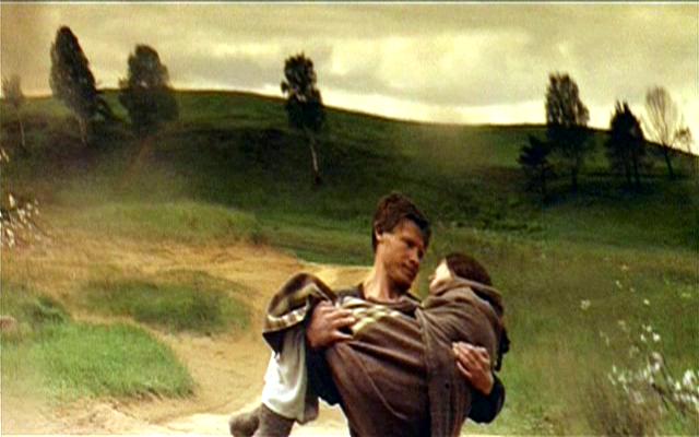 """Fotograma de la película """"Madre e hijo"""" del director Alexander Sokurov."""