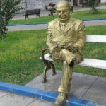 Mutilaron la pierna derecha de la escultura de Víctor Raúl Haya de la Torre